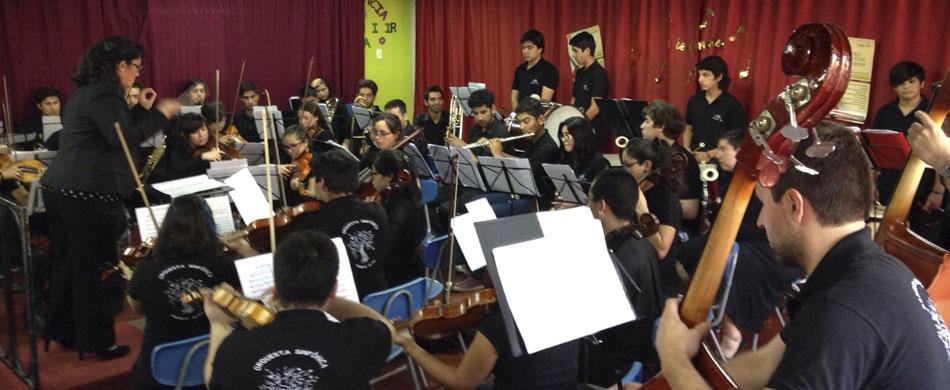 Orquesta Sinfónica Juvenil de Puente Alto deleita a la comunidad en Lebu.