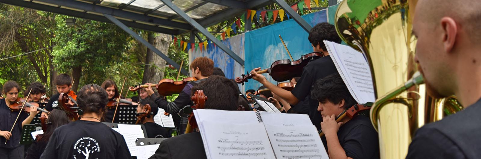 Orquesta Sinfónica Juvenil de Puente Alto se presentó en el Colegio Saint George´s
