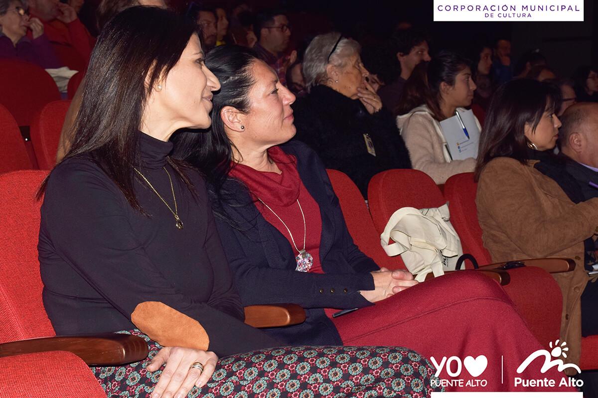 Vecinos de distintas comunas participaron en la primera capacitación Fondart 2019