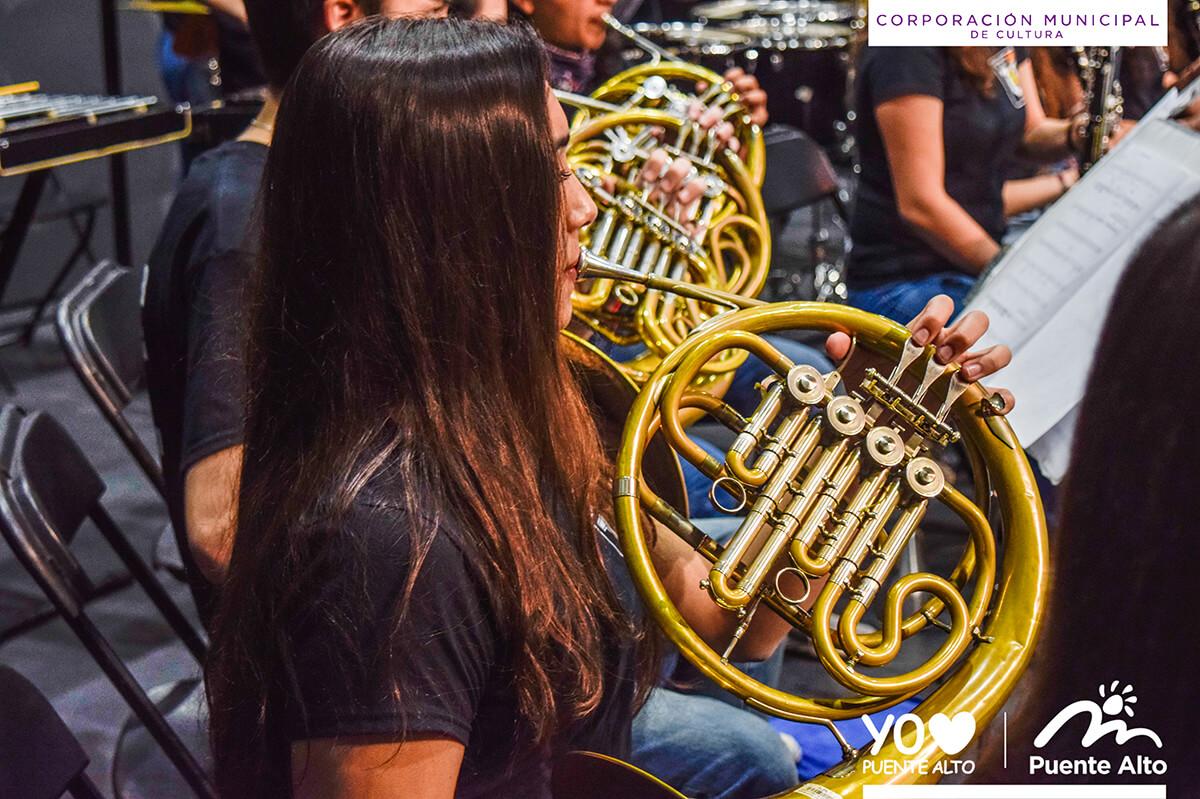 Orquesta Sinfónica Juvenil de La Serena se presentó con éxito en el Centro Cultural de Puente Alto.