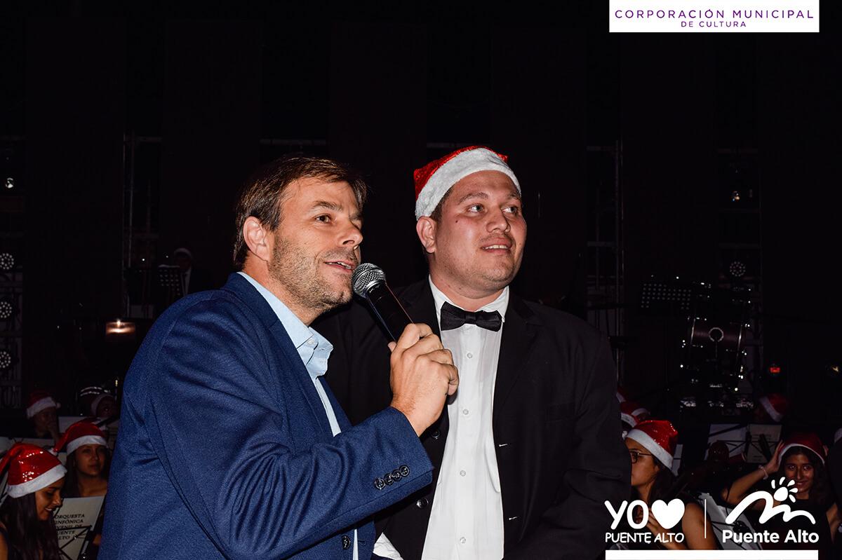 Con un espectacular concierto Puente Alto Celebró de forma anticipada la Navidad.