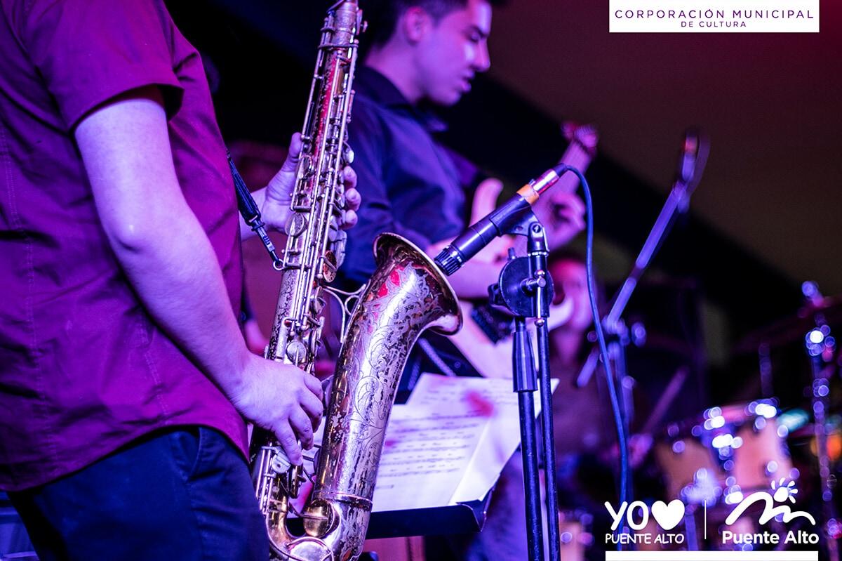 Con música en vivo celebramos el Día Internacional del Jazz.